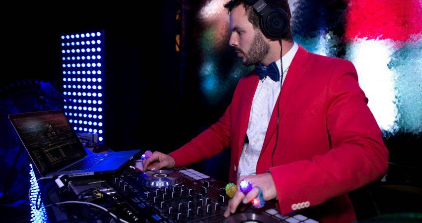 DJ César Lara